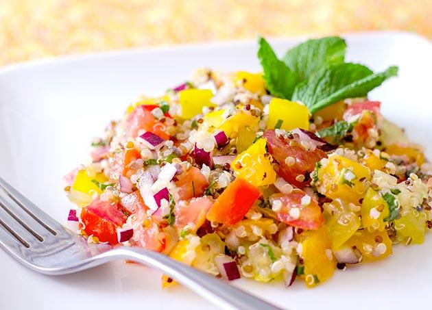 Colorful-Tomato-and-Quinoa-Salad