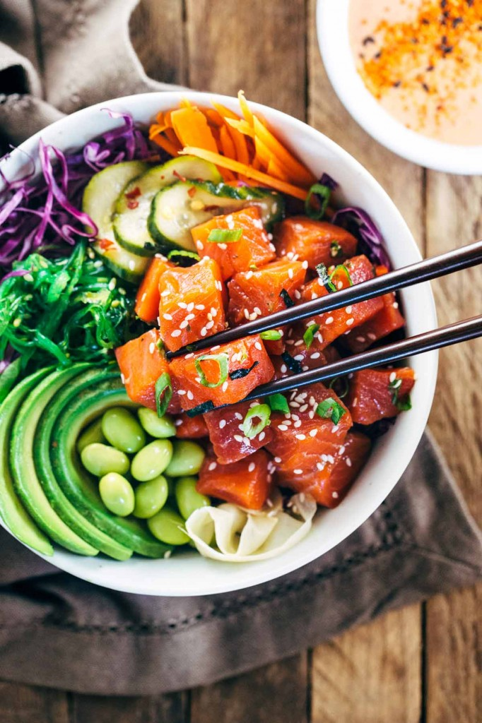 spicy-sockeye-salmon-poke-bowl-with-sriracha-aioli